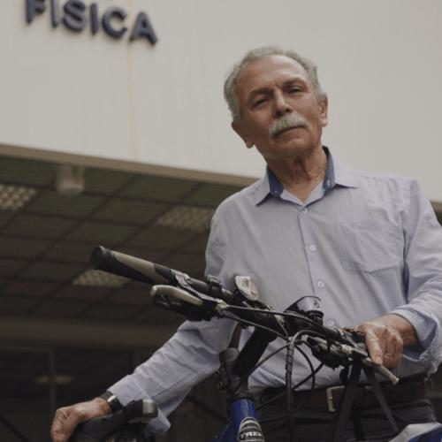 Exonerado por Bolsonaro, ex-diretor do Inpe recebe prêmio internacional de responsabilidade científica